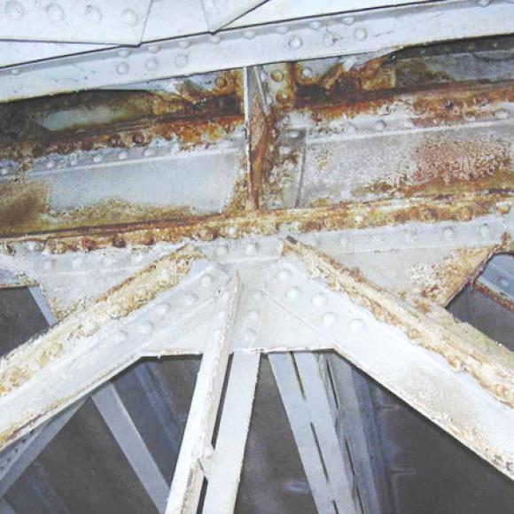 Tyršův most v Litoměřicích – před obnovou protikorozní ochrany