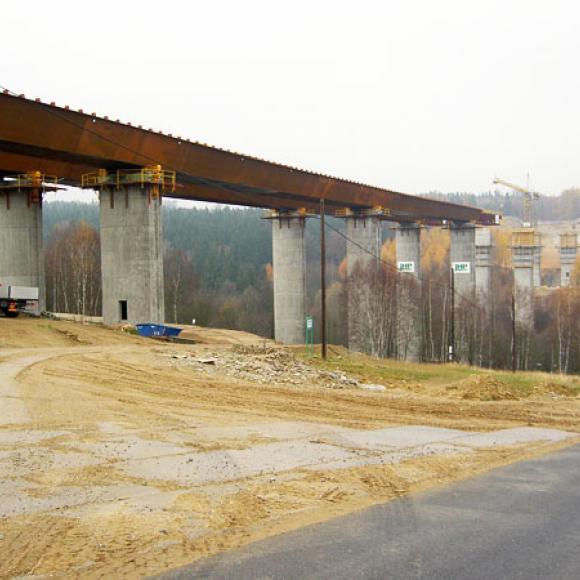 výstavba hraničního mostu – dálnice D8