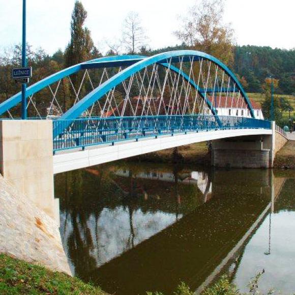 výstavba mostu v Zářečí přes Lužnici