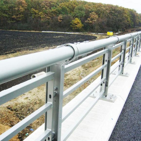 protikorozní ochrana mostního zábradelního svodidla – dálnice D47